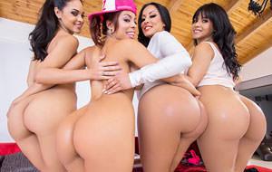 video porno de latinas big tits sucks cock