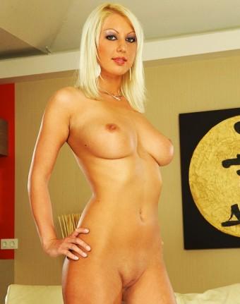 Pamela Blond