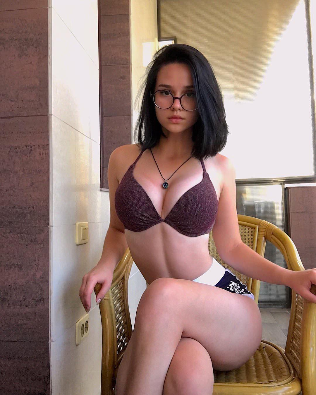 Actriz Porno Gafas señoras de instagram: alina zaleschenko – orgasmatrix