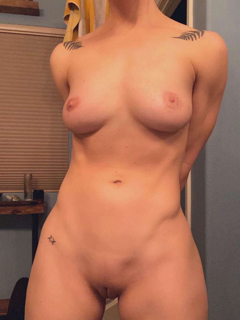 Actriz Porno Aniston el nuevo escote de la pornstar nicole aniston – orgasmatrix